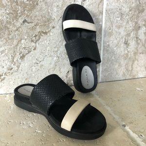 Tahari Black White Slip On Sandals Strappy